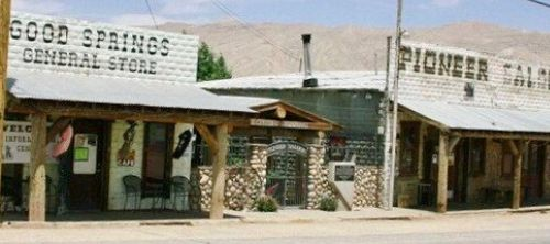 Goodsprings saloon and store