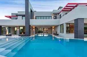 swimming pool homes in Las Vegas