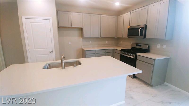 KB Homes North Las Vegas basic kitchen no upgrades