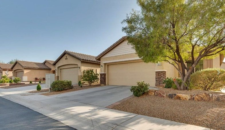 homes for sale in Stallion Mountain Solera Del Webb 55+